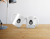 Free Two Mugs Mockup PSD