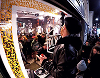 Live painting on retail - DOLLY NOIRE store in Milan