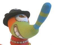 Salchicha marciana con sombrero de oso cíclope