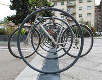 One circle, two bikes...