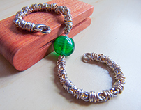 Zephyre - Chainmail w Glass Bead