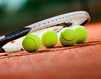 Comparing Two-Handed and One-Handed Backhands in Tennis