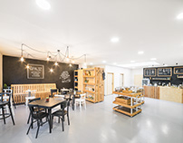 Špajz – shop without packaging and caffee