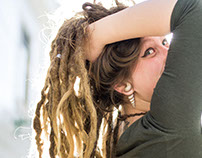 girl.2 - Girl with Dreads