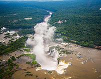Sobrevolar las Cataratas del Iguazú y tribu Guaraní