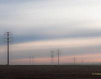 Pylônes au lever du jour/Pylons at sunrise