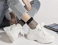 Mốt giày mneaker trắng: Diện thế nào cho chất