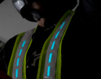 U-ROAD active lighting jacket for bikers