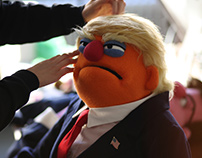 Trump VS Hillary puppets