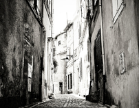 Petite rue à Arles - France