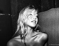 Models backstage - Black & White