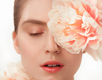 SKINTHESTIC   Beauty Clinic Campaign