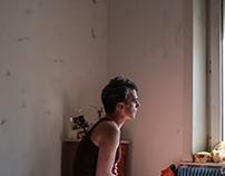Homme sur lit, série Fondu - 2017