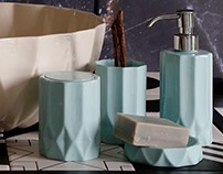 Bathroom accessories.. Limoges porcelaine.
