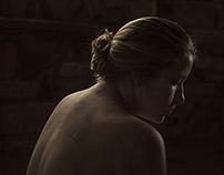 Laura bajo la luz