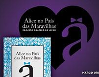 """Livro """"Alice no País das Maravilhas"""""""