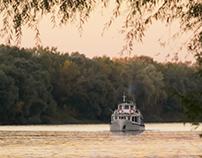 Sétahajó Indul / Boat Trip