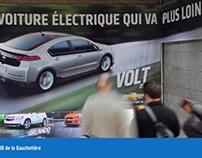 GM in the 1000 de la Gauchetiere corridor w/Zoom Media