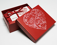 beGLOSSY February 2015 | beauty box campaign