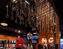 NIKE SANTA MONICA: WOMENS AMPLIFY