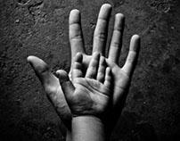 Main dans la main/ hand in hand