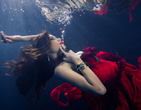 Kate Goza (fashion underwater)