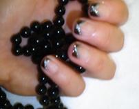 Manicure smalto nero e argento