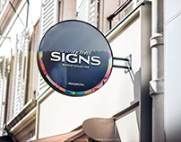 Round Signboard PSD Mockup