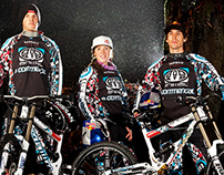 Animal Commencal Team Atherton Race Jerseys & Bike
