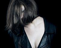portrais, pale dark | 2015.01