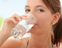 Take care of the skin by always drinking water.