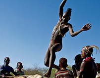 ETHIOPIA - Bull jumping