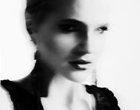 Eliza dans le noir