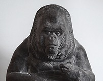 Gorilla, terre cuite patinée,