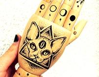 Sphynx Cat Tat-a-Hand