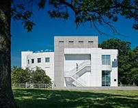 Des Moines Art Center: Meier Wing