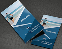 Travelling tri-fold brochure Psd free download
