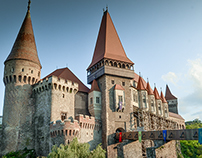 CORVINS' CASTLE - Transylvania (timelapse photography)