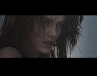 SP - 'Maradnék' Official Music Video