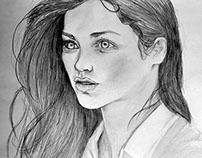 Emily Rudd | Draw