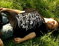 Calligraphic T-shirt Світ ловив мене, та не впіймав!
