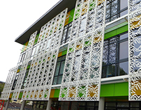 Façade du Centre de loisirs P. Brossolette à Argenteuil