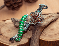 "Pendant "" Caterpillar"""