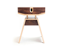 HIVE - dismountable plywood bedside-table