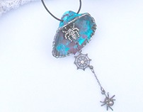 Gothic spider Seashell Necklace