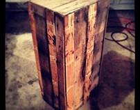 Pallet wood pedestal