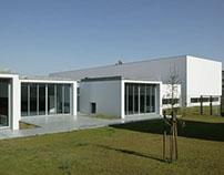 36 Community Center in Alto do Forte, Sintra