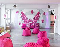 Magenta Kraft wall decoration