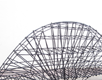 Estrutura com palhas de sumo e alfinetes