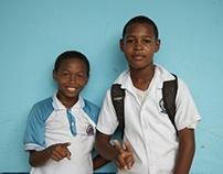 Niños estudiantes
